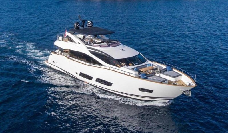 Sunseeker 28m Yacht — SUNSEEKER full
