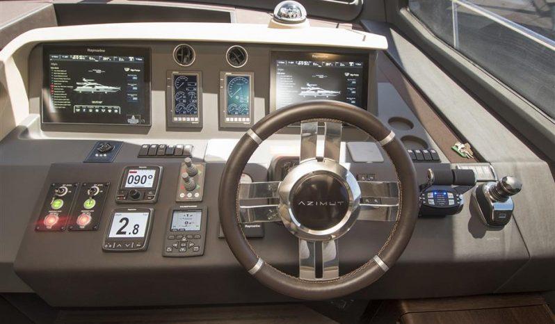 2017 Azimut 72 FLY w/ Seakeeper — AZIMUT full